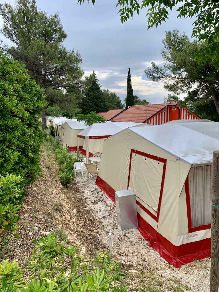 Belvedere Mobile Homes & Apartments