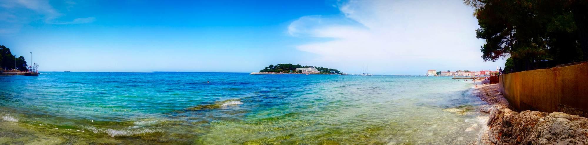 kleine Insel Sveti Nikola im Hintergrund